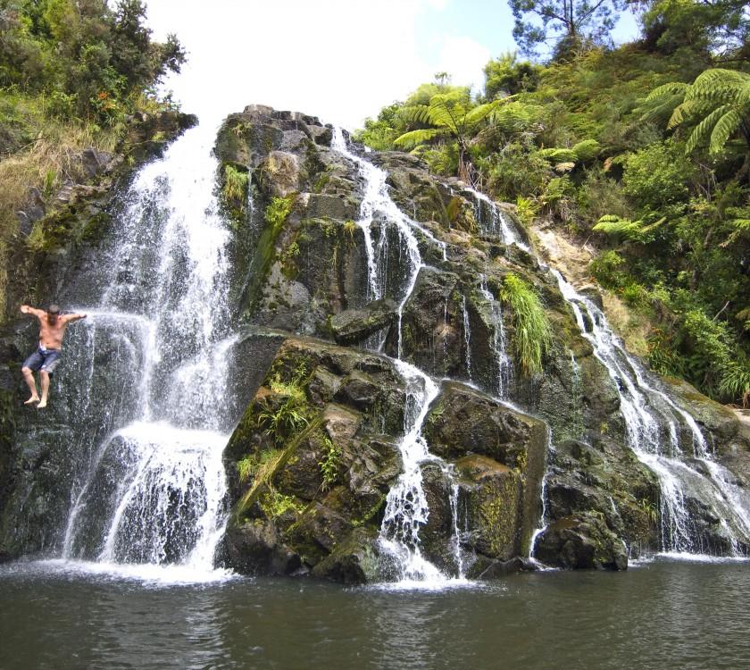 Karangahake Gorge. Waterfall. 89