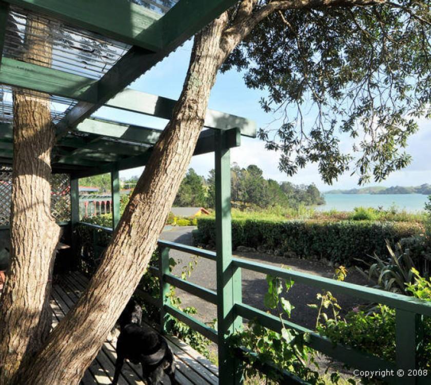 Te Kouma Harbour Cottages 1