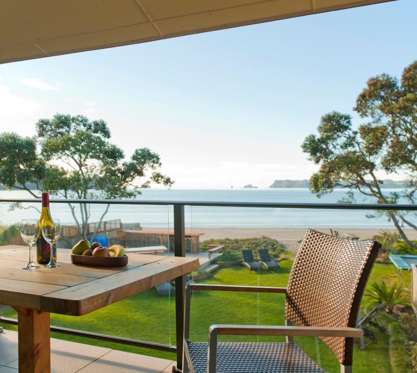 beachfront-resort-beachfront-unit-balcony-hr-