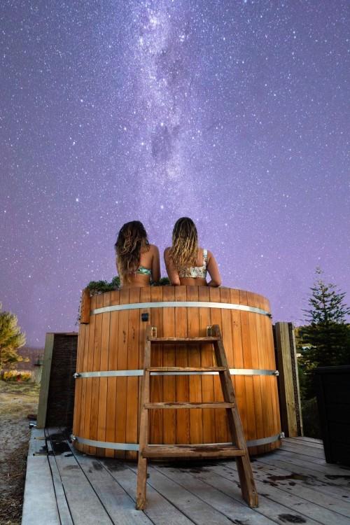 hahei-holiday-resort-hot-tub-stargazing