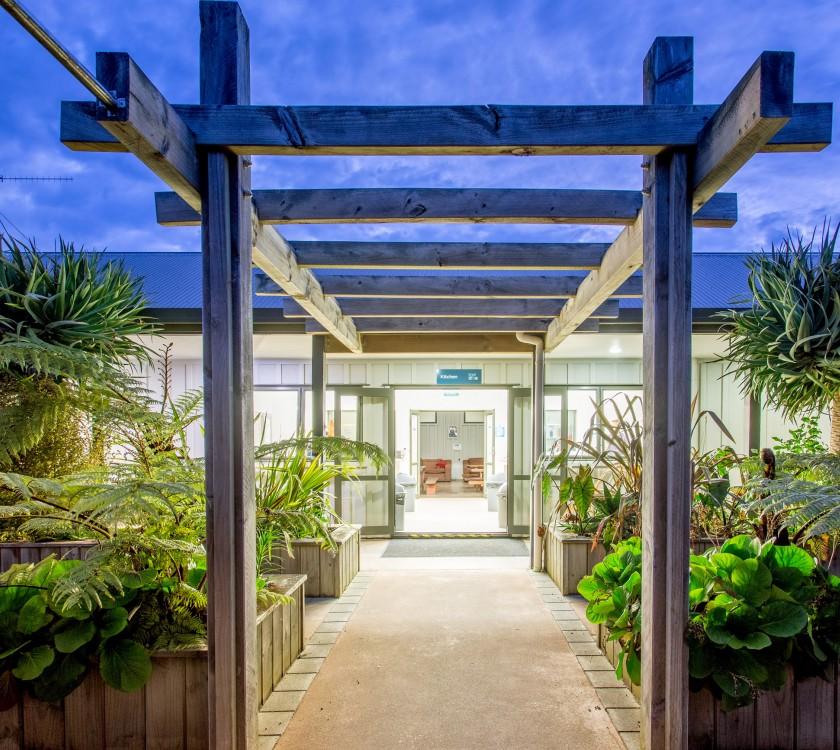 hot water beach top 10 facilities kitchen