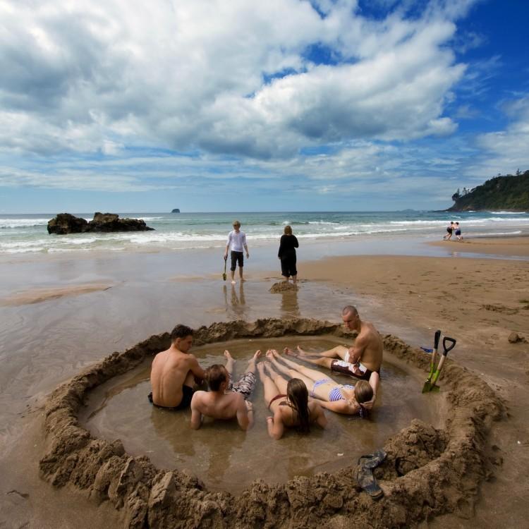 hot-water-beach.-my-chilly-bin-r-peter-mitchell-2