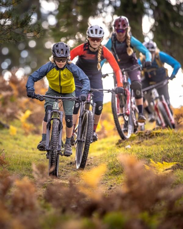 scott_sports_bike_2021_ransom-600_400_campaign_by-daniel-geiger_scott-lois-10-2020-dgr52693acdgps-2282_social