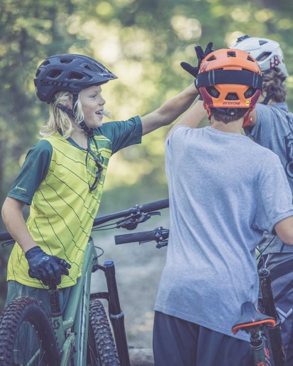 scott_sports_bike_2021_ransom-600_400_campaign_by-daniel-geiger_scott-lois-10-2020-dgr53919social_4_5