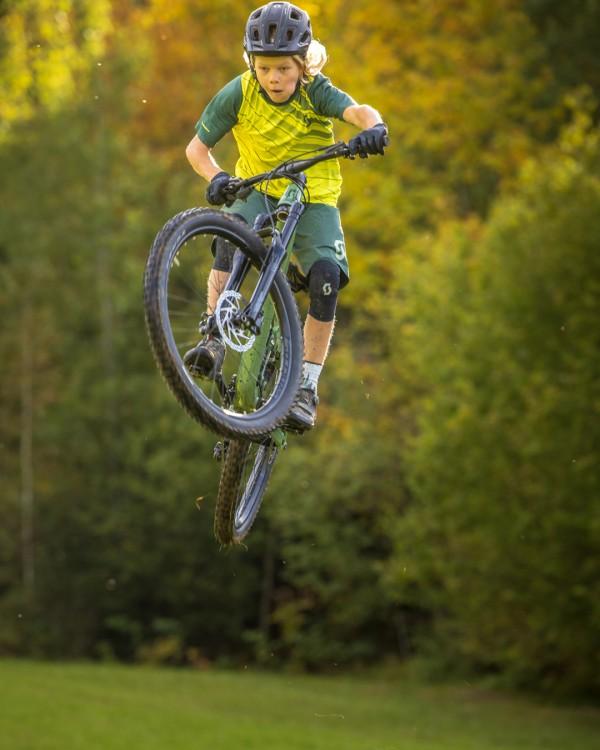 scott_sports_bike_2021_ransom-600_400_campaign_by-daniel-geiger_scott-lois-10-2020-dgr55419_social_4_5