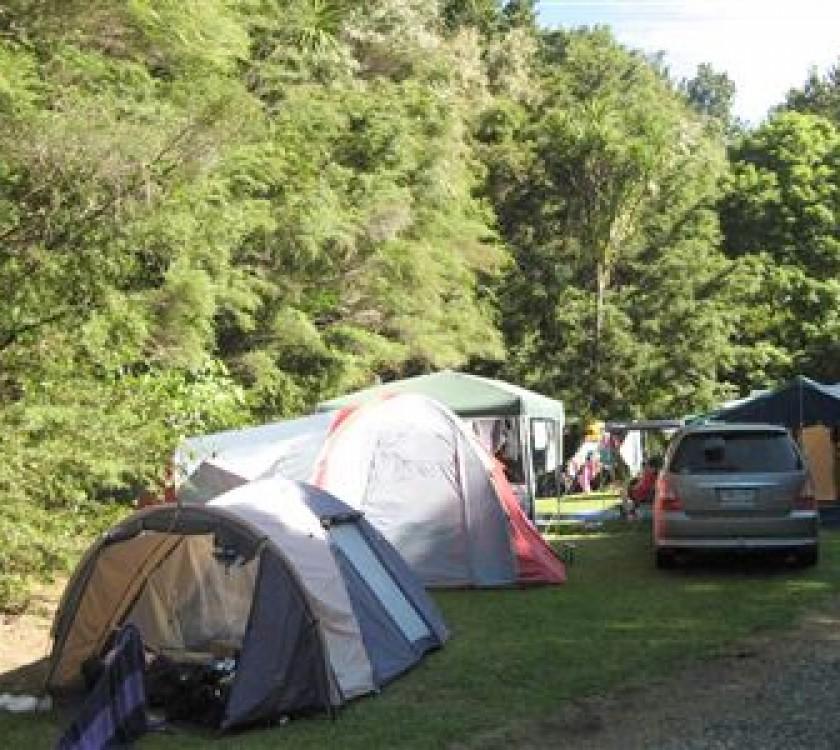 broken hills campsite tents 1200